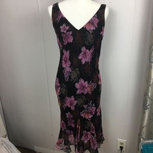 Scarlett size 12 Dress flared out at bottom